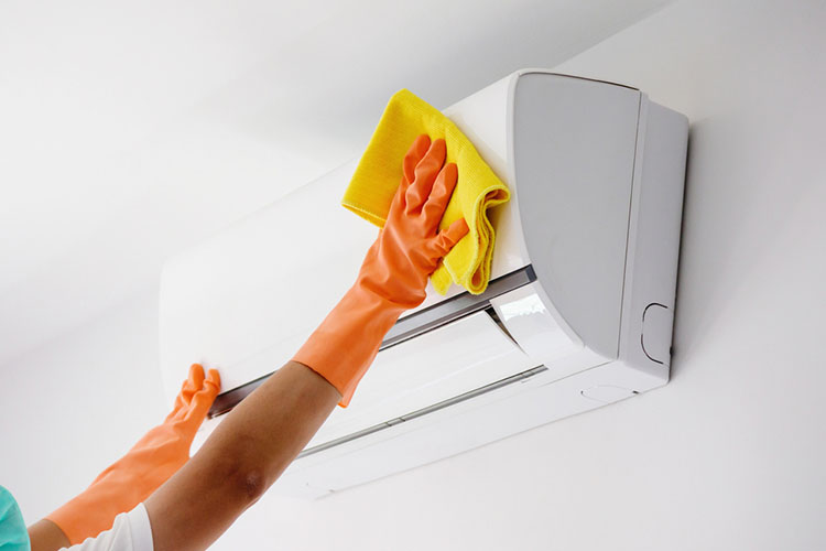 wiping the air conditioner dry after chemical wash